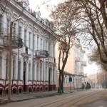 Евпатория, улица Революции. Фото Елены Покрепы